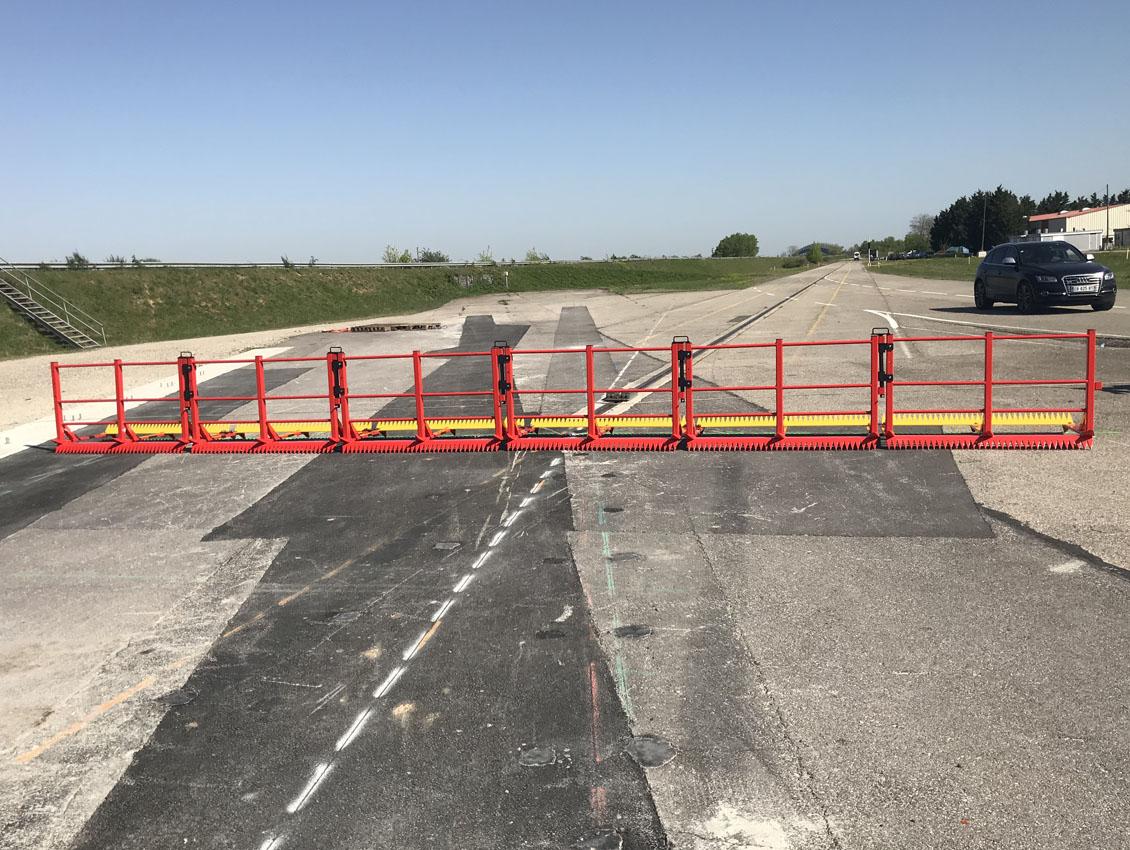 Barrières-Titan installées pour le crash-test